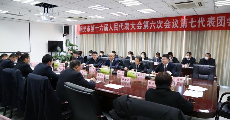 徐军参加市十六届人大六次会议第一、第七代表团讨论